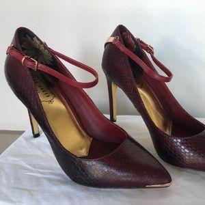 Ted Baker London Heels – Burgundy Heel size 9
